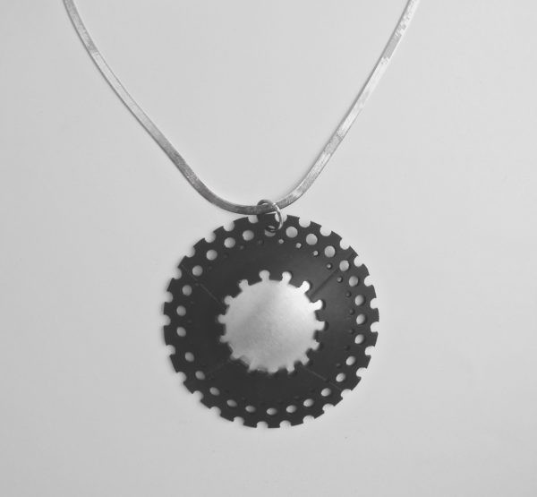 sustainable jewel Kouaoua necklace