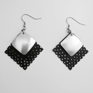 versatile earrings Bourail