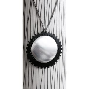 ARAMA sustainable necklace handmade in new caledonia