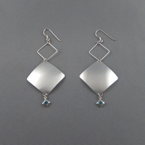 ouengo dainty sustainable earrings